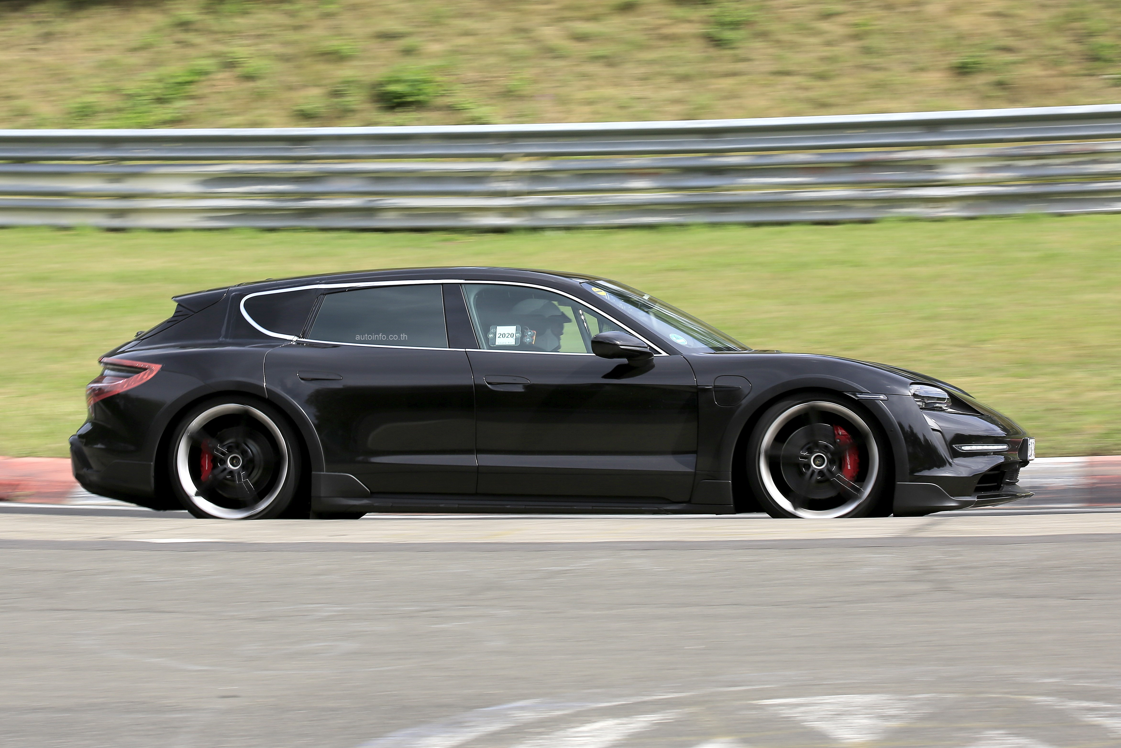 Porsche Taycan Sport Turismo Spy shot of secretly tested future car