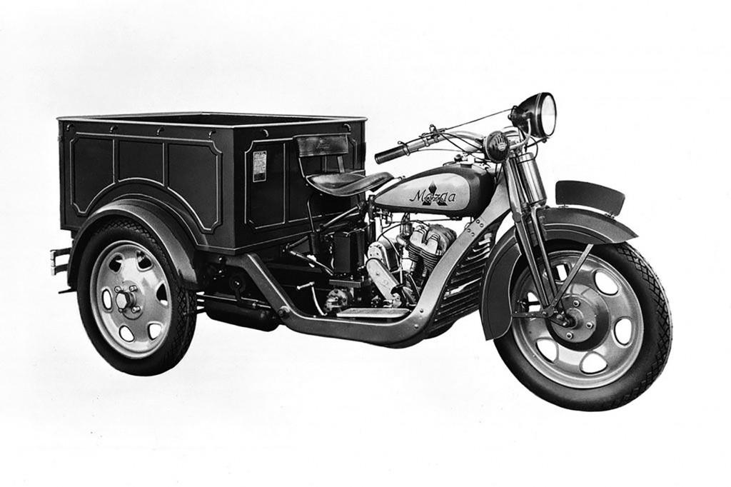 1931 Mazda three-wheel truck copy