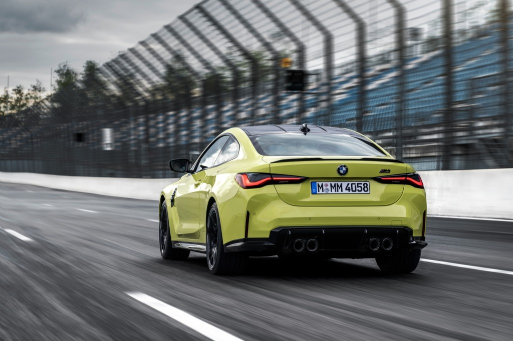 P90399245_highRes_the-new-bmw-m4-compe
