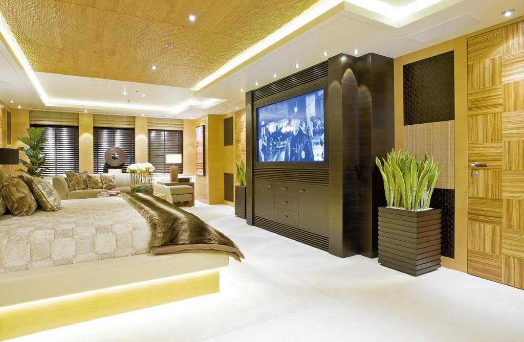 HIW140.trans_yachts.bedroom 84b753854d824c848d7f0879b25bbea0