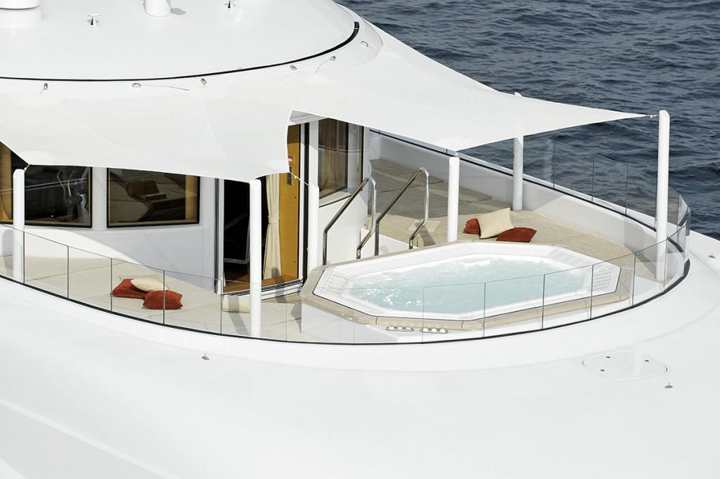 HIW140.trans_yachts.pool 4fc872c1b83a42e8beae97aa3db47f30