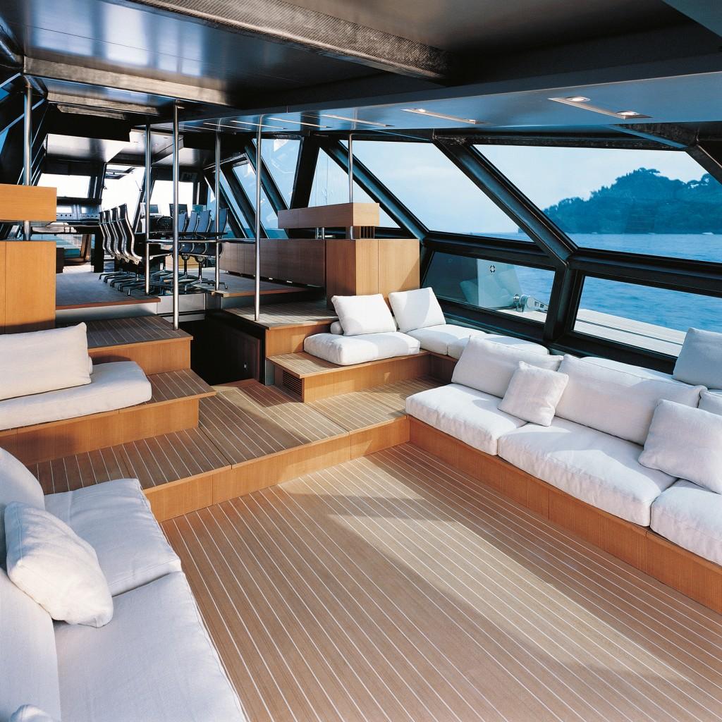 HIW140.trans_yachts.saloon_pd_creditwally ceb30bdf7c8d493ea15532