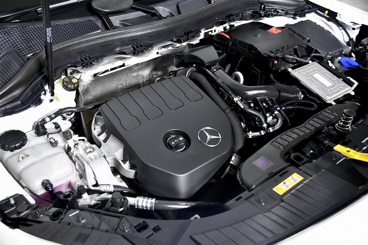 Mercedes-Benz A200 Sedan Progressive AMG Dynamic (1)
