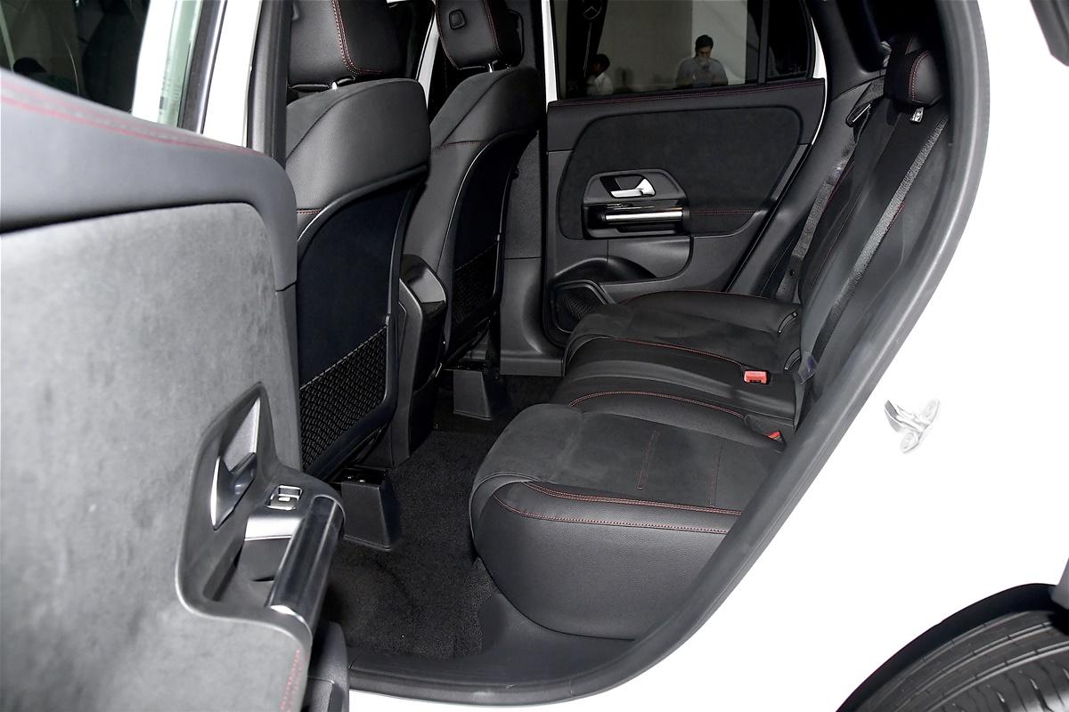 Mercedes-Benz GLA 200 AMG Dynamic (11)