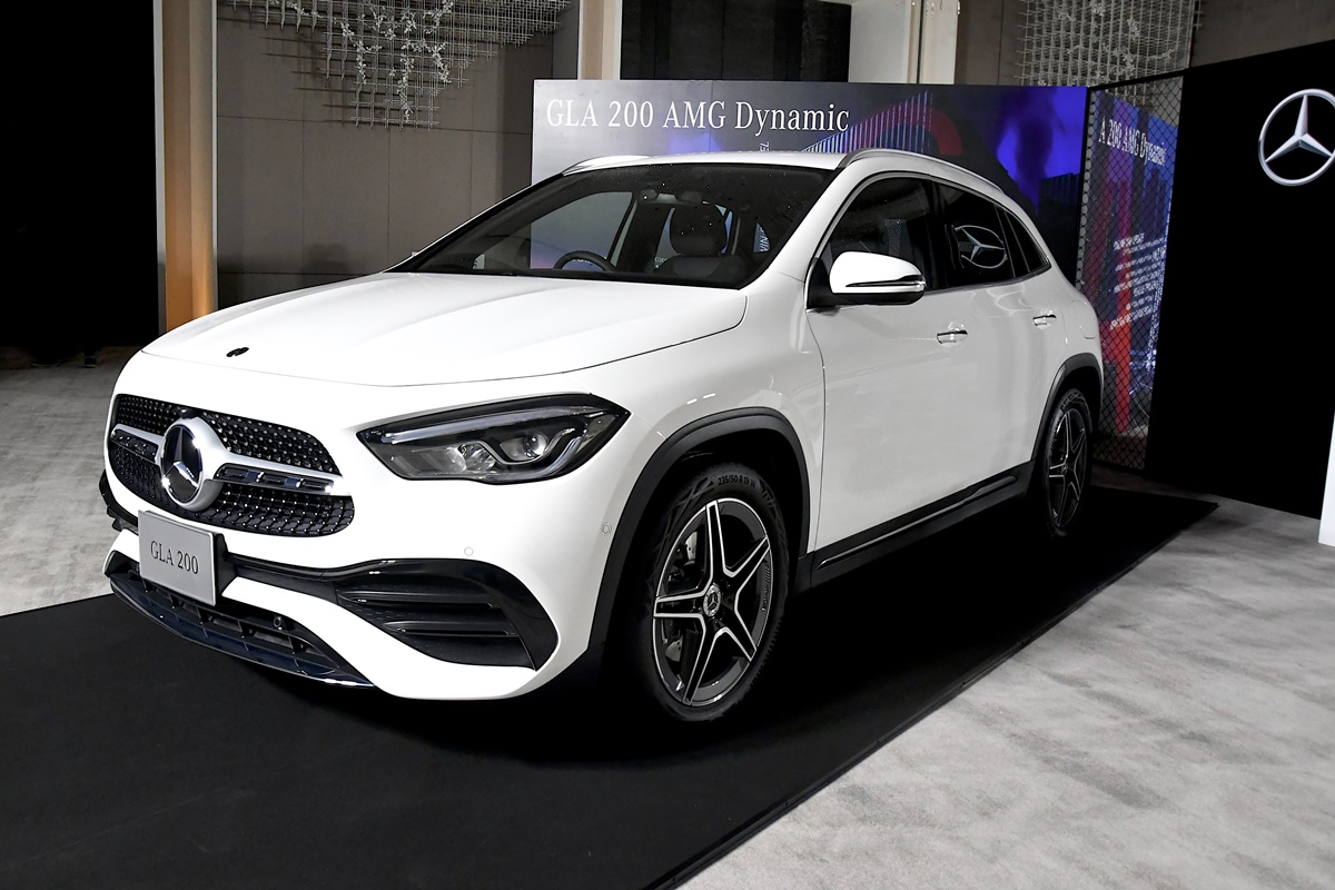 Mercedes-Benz GLA 200 AMG Dynamic (2)