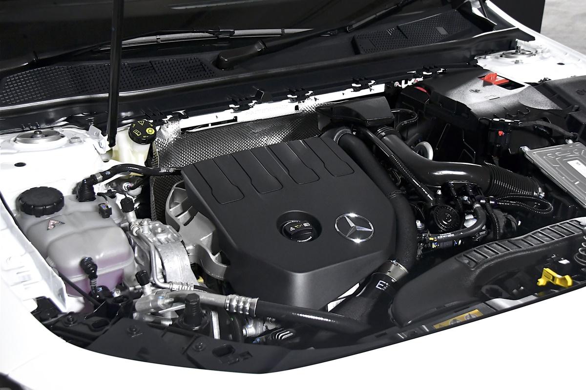 Mercedes-Benz GLA 200 AMG Dynamic (8)