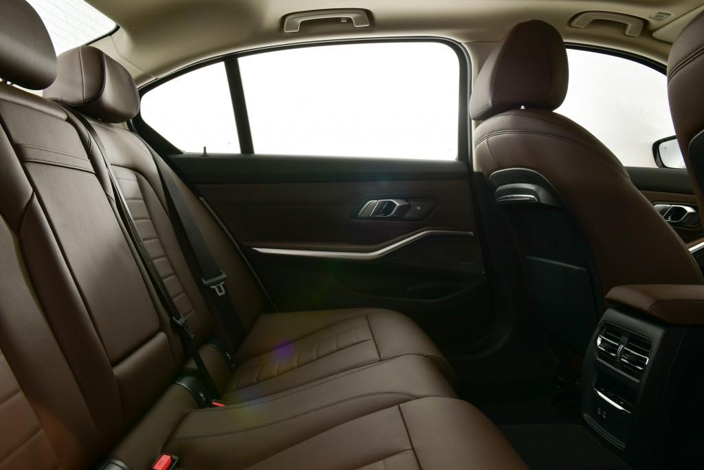 BMW 330Li M Sport (30)