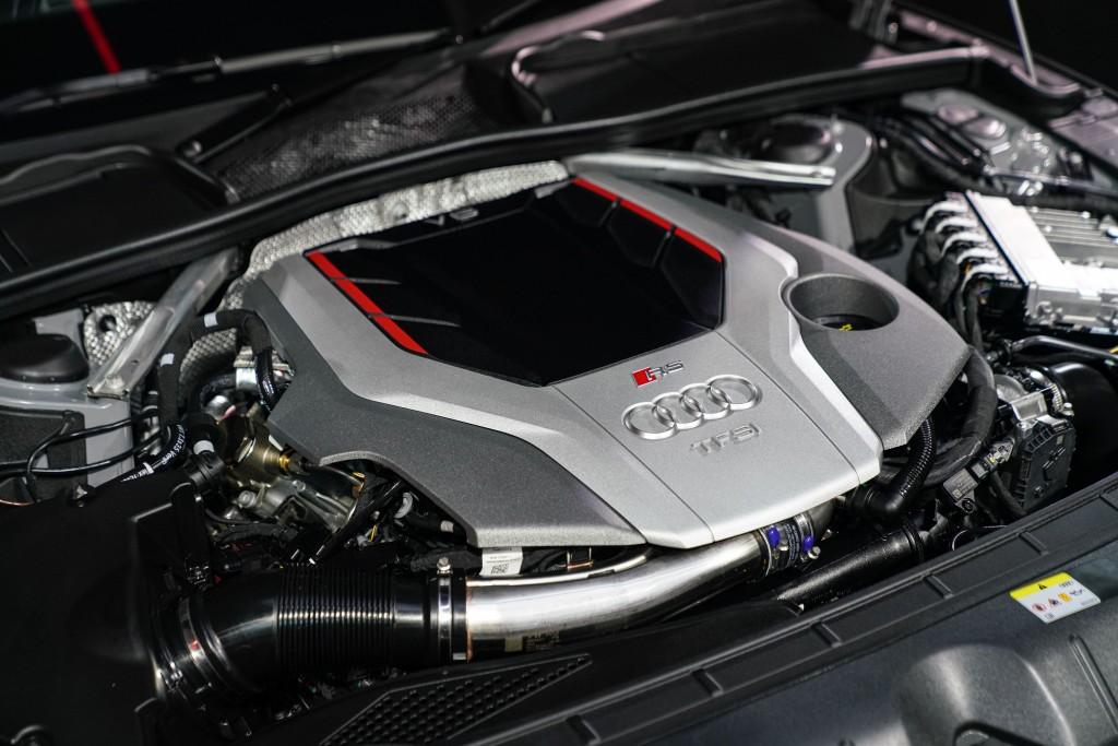 Audi RS 5 Coupé quattro_ภายใน_01