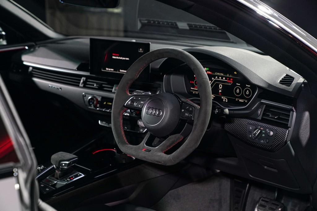 Audi RS 5 Coupé quattro_ภายใน_02