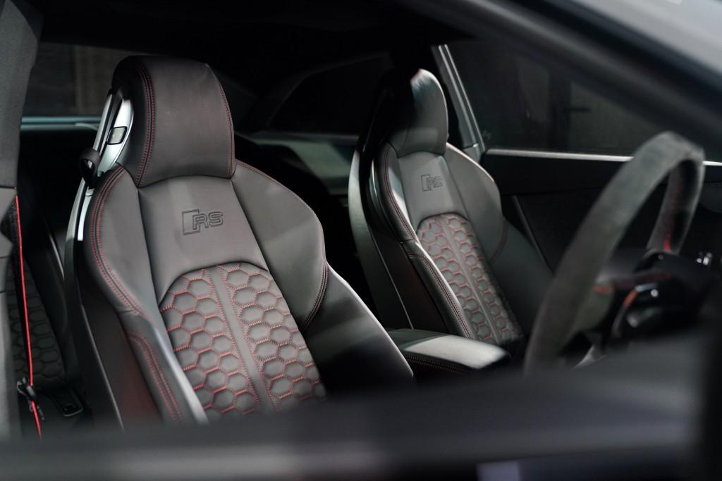 Audi RS 5 Coupé quattro_ภายใน_03