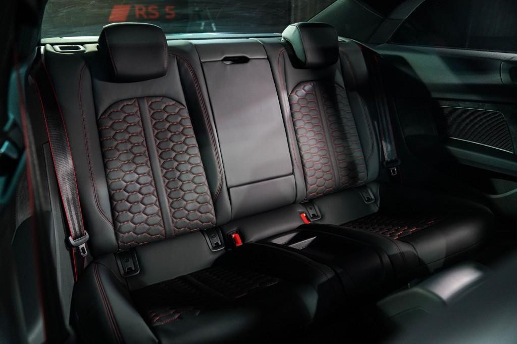 Audi RS 5 Coupé quattro_ภายใน_04