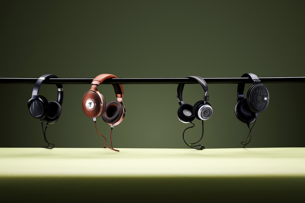 T3 Select Four headphones feature