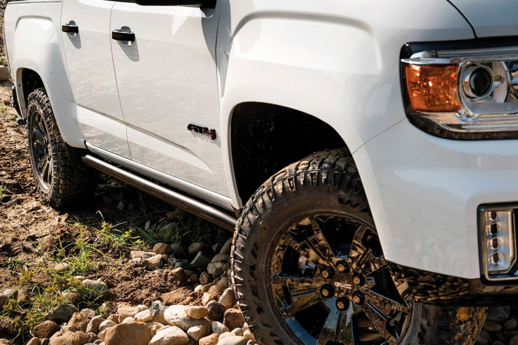 GMC CANYON AT4 OFF-ROAD PERFORMANCE