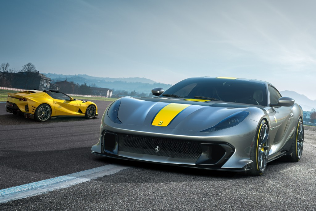www Ferrari_812_Competizione_111
