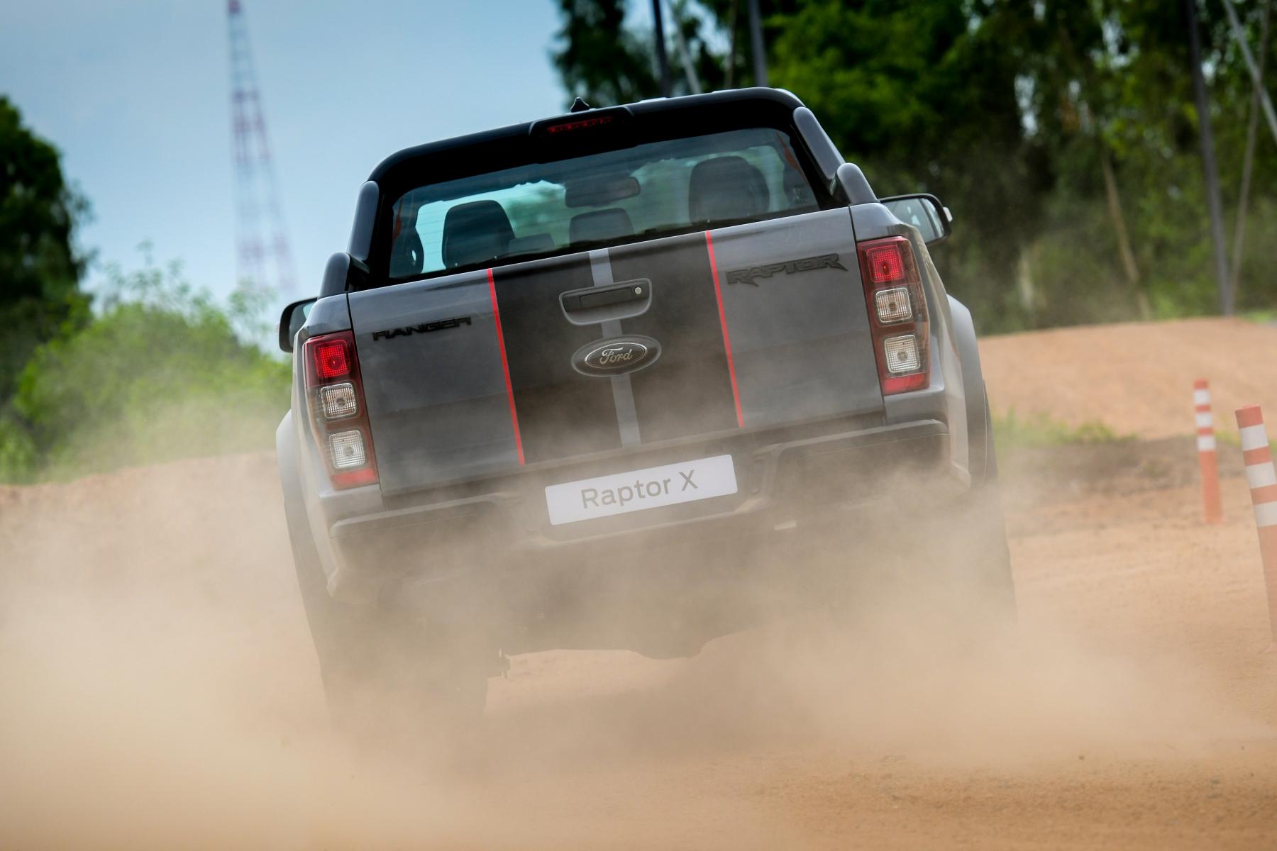 Ford Ranger Raptor X (11)
