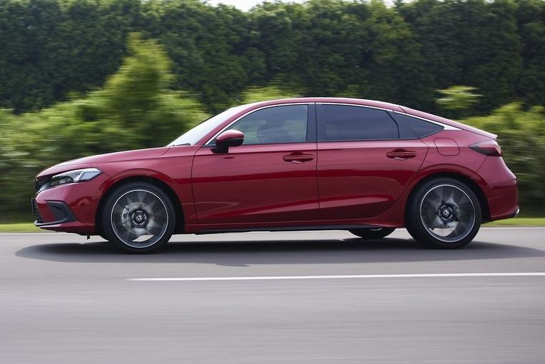 Honda-Civic-2022-1024-07