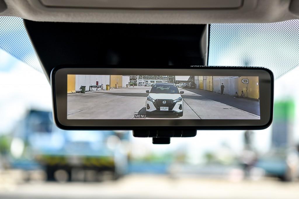 Intelligent Rear View Mirror02