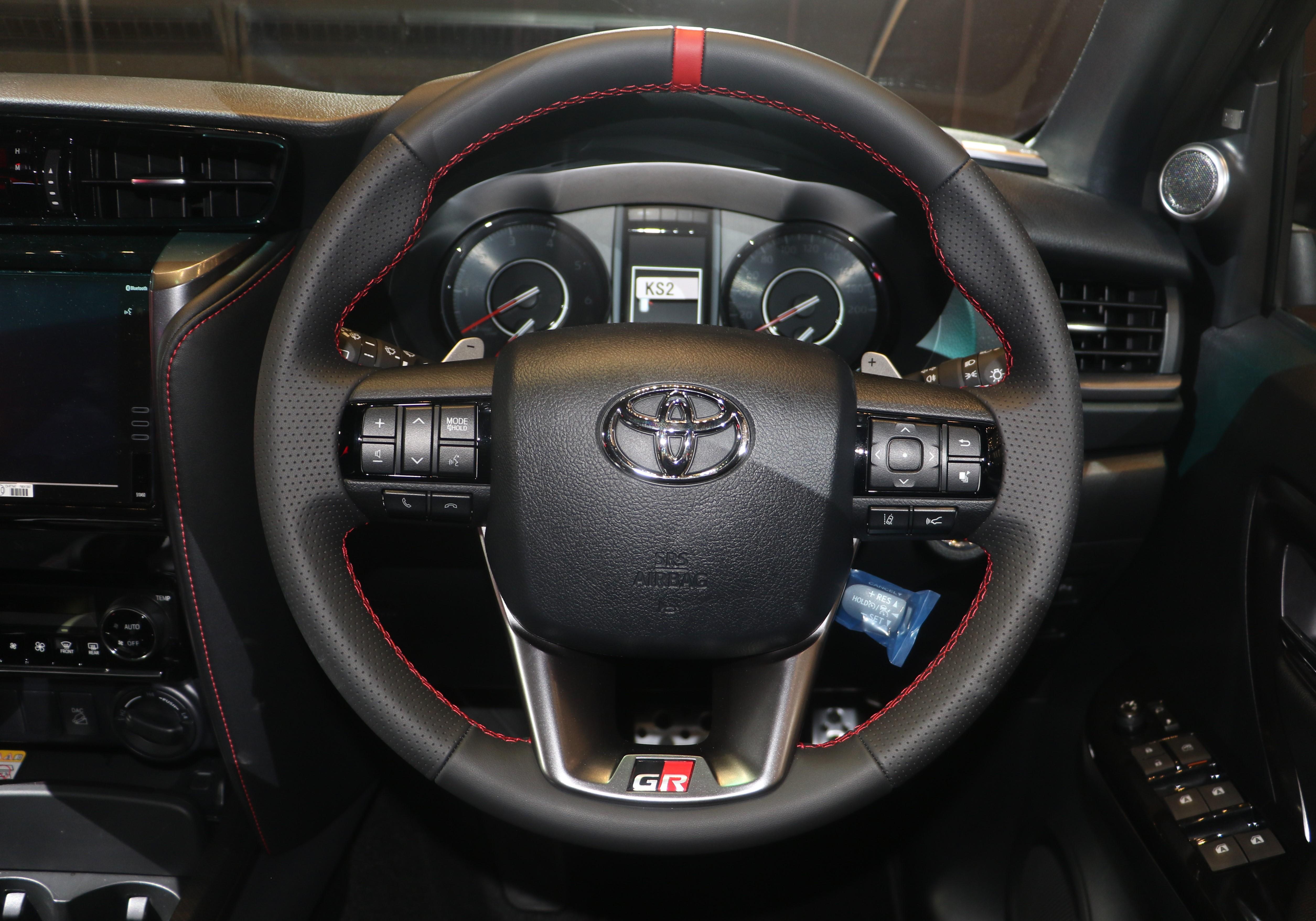 Review Toyota Fortuner GR Sport Modellista AutoinfoOnline (10)