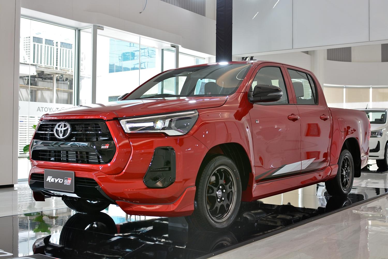 Toyota Hilux Revo GR Sport 2.8 AT LowBody AutoinfoOnline (8)