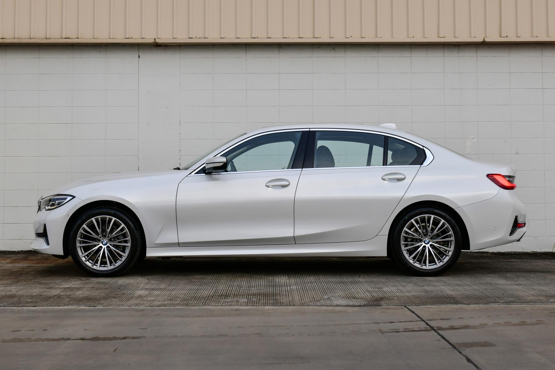 BMW 320Li Luxury AutoinfoOnline (16)