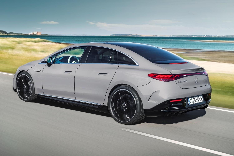 Mercedes-EQ. EQE 350, Edition 1, AMG Line, alpingrau (Stromverbrauch nach WLTP: 19,3-15,7 kWh/100 km; CO2-Emissionen: 0 g/km) // Mercedes-EQ. EQE 350, Edition 1, AMG Line, alpine grey (electrical consumption WLTP: 19,3-15,7 kWh/100 km; CO2 emissions: 0 g/km)