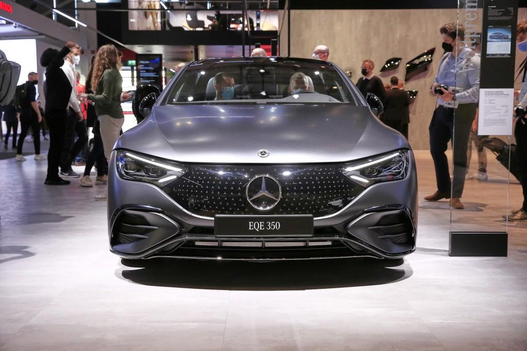Mercedes EQE (19)