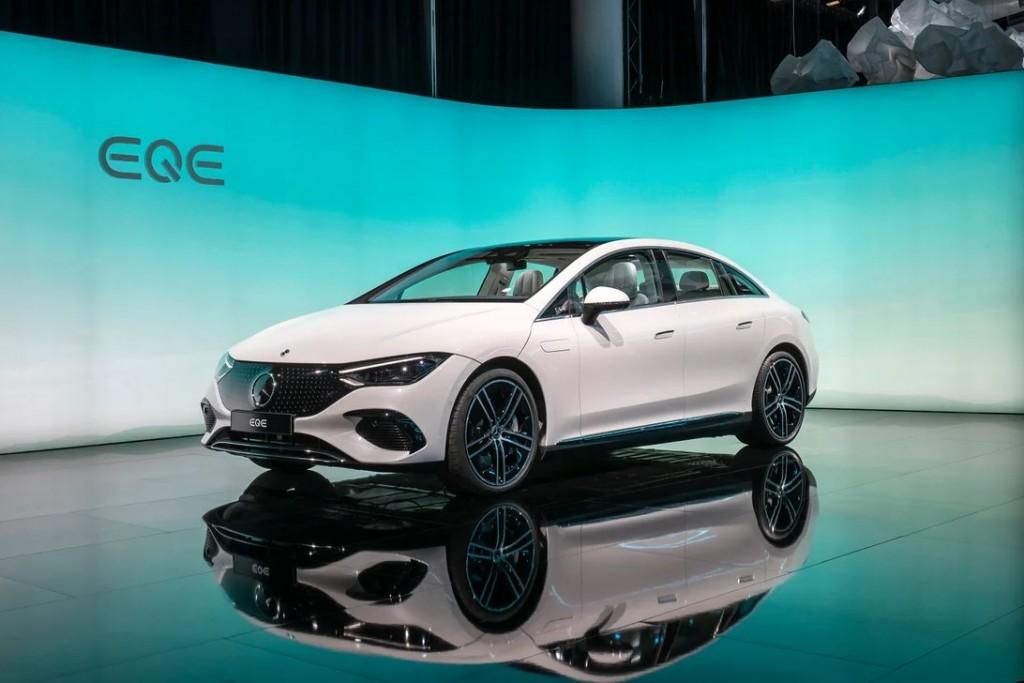 Mercedes EQE (8)