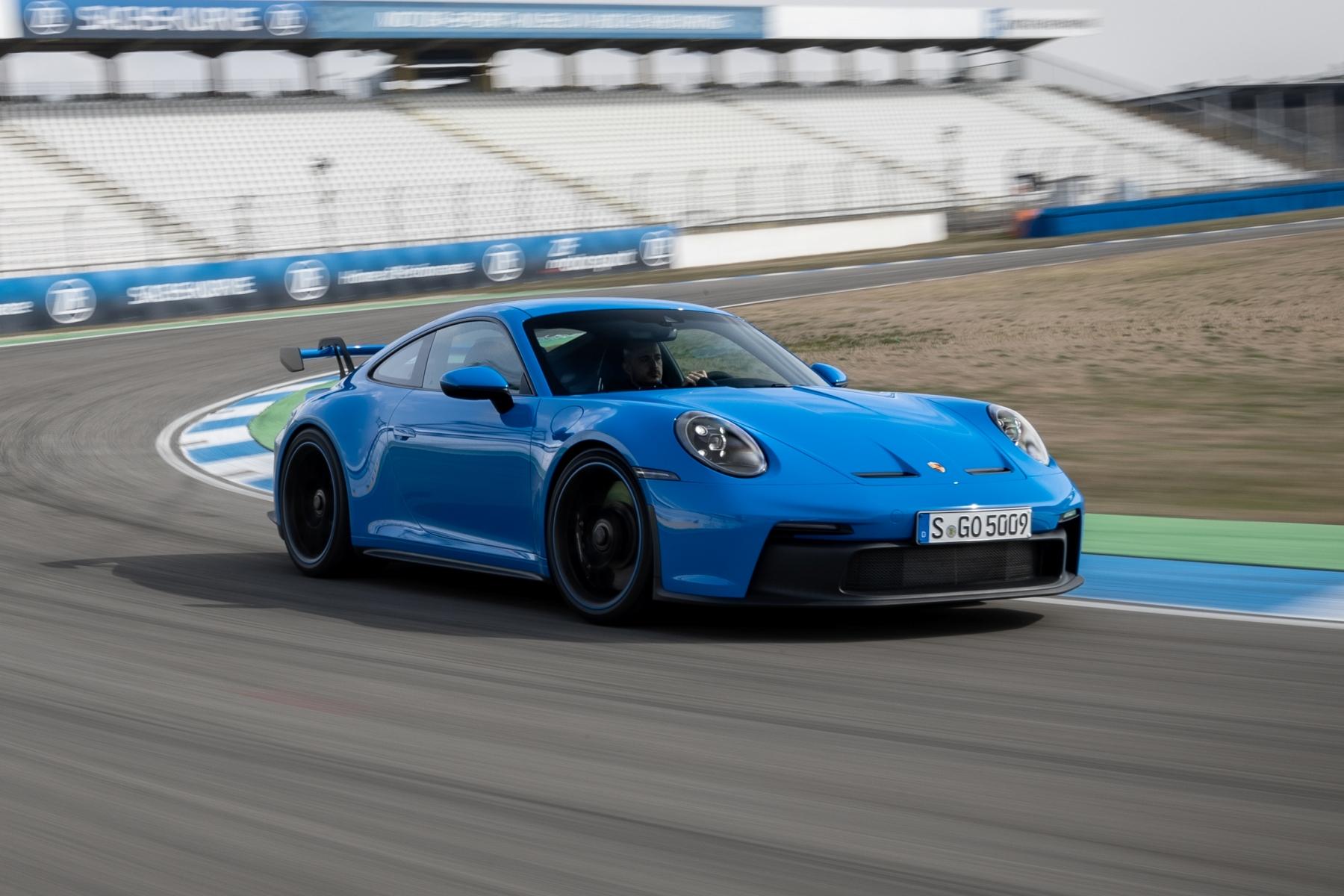 Porsche 911 GT3 review aas autoinfoonline  (12)