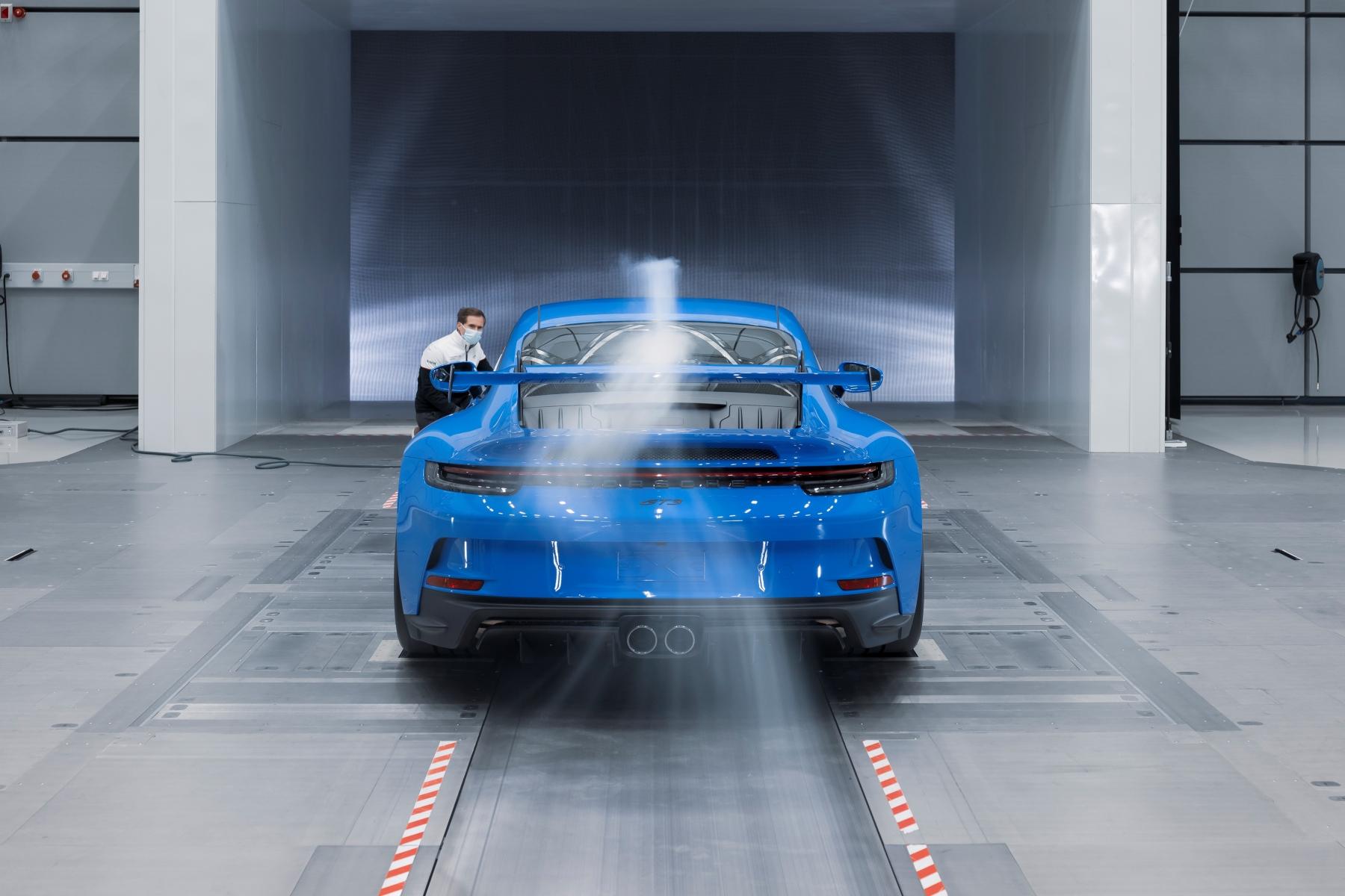 Porsche 911 GT3 review aas autoinfoonline  (16)