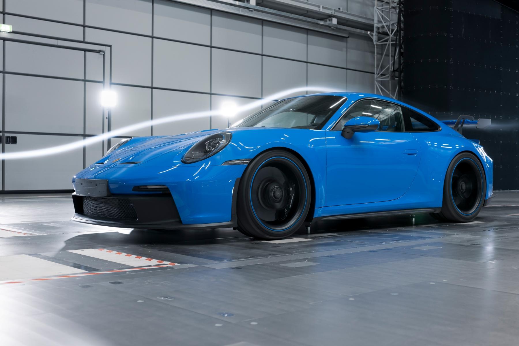 Porsche 911 GT3 review aas autoinfoonline  (17)